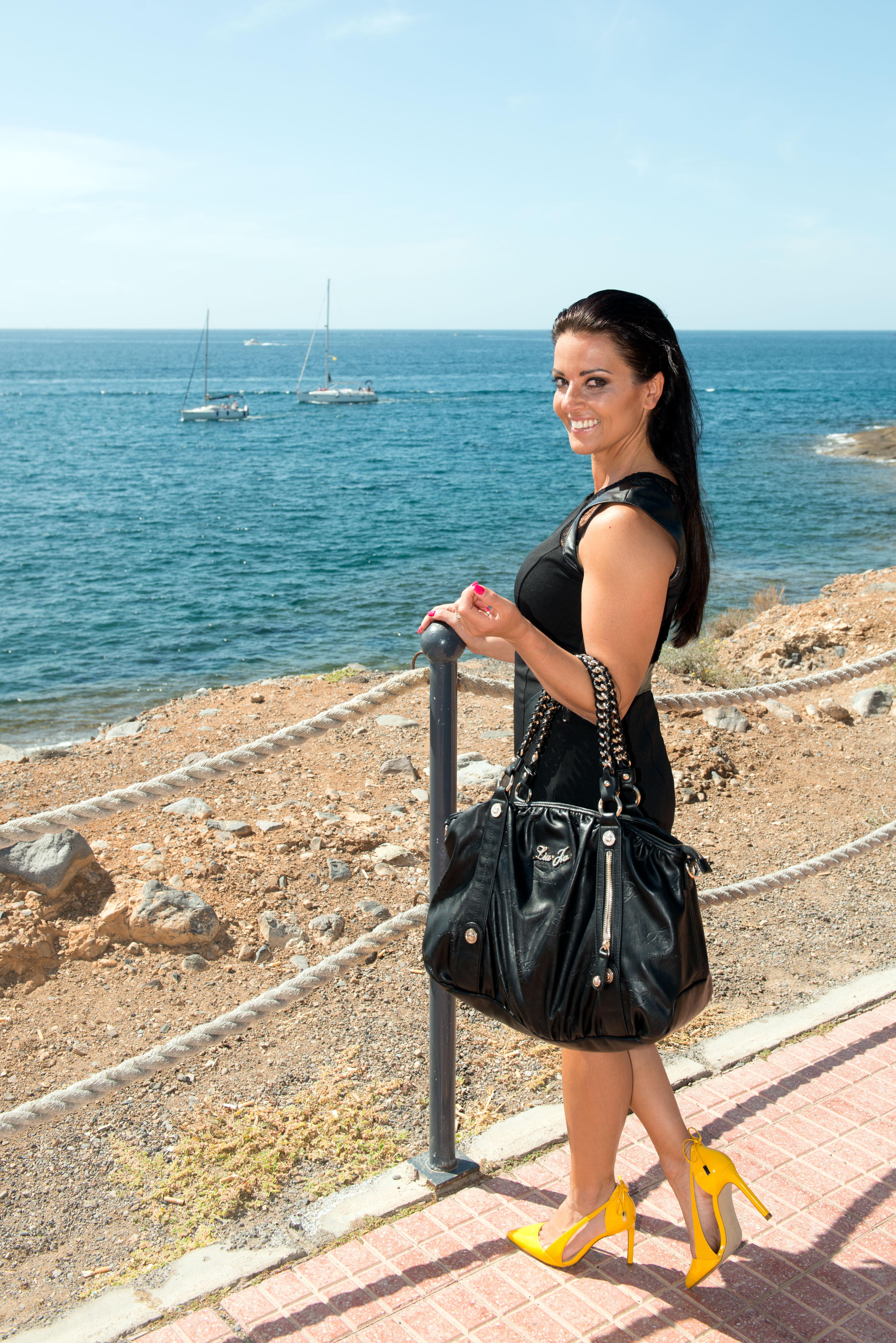 Black dress comments - Black Dress 5