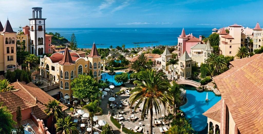My little black dress at playa del duque graziellecamilleri - Gran hotel bahia del duque ...