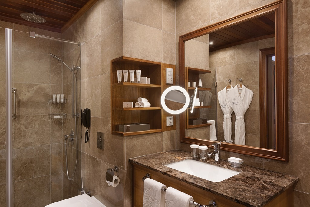 Junior Suite Bathroom - Kempinski-Hotel-San-Lawrenz---1029141
